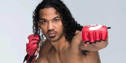 Benson Henderson keert terug tegen Saad Awad tijdens Bellator 208 in New York