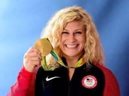 Geslaagd MMA debuut voor tweevoudig Olympisch judokampioen Kayla Harrison