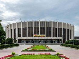 Alexander Yakovlev vs. Teemu Packalen tijdens UFC St.Petersburg