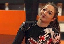 UFC debuut voor FNG Kampioene Liana Jojua tegen Sarah Moras tijdens UFC 242 in Abu Dhabi