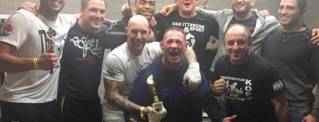 Kops Gym vechters Joey Berkenbosch en Melvin van Suijdam winnen tijdens FCDH