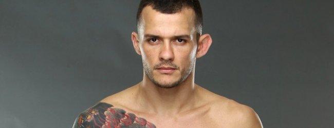 """Alberto Mina is boos over """"Fake News"""" gevecht tegen Warlley Alves in Rio de Janeiro"""