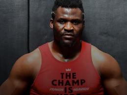 """Francis Ngannou : """"Een gevecht voor de titel is het volgende voor mij"""""""