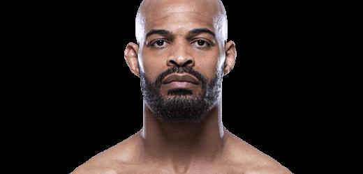 David Branch haakt geblesseerd af voor gevecht tegen Andrew Sanchez tijdens UFC Vancouver