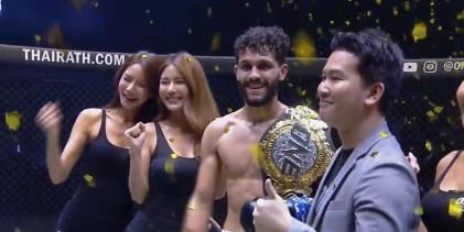 Ilias Ennahachi pakt ONE Championship titel door middel van KO in de derde ronde