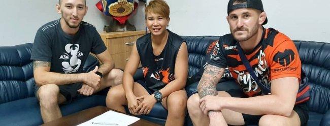 Alexandra Albu treft UFC debutante Loma Lookboonmee tijdens UFC Singapore