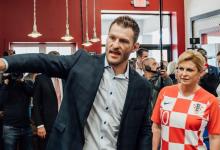 Heavyweight Kampioen Stipe Miocic krijgt bezoek van Kroatische president