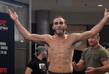 Anthony Rocco Martin treft Ramazan Emeev tijdens UFC Moskou