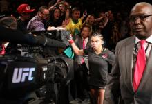 Claudia Gadelha treft Alexa Grasso tijdens UFC 246 in Las Vegas