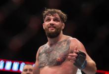 John Phillips treft ongeslagen nieuwkomer Dusko Todorovic tijdens UFC Londen