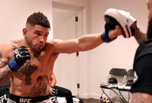 Sean Brady treft Ismail Naurdiev tijdens UFC Norfolk
