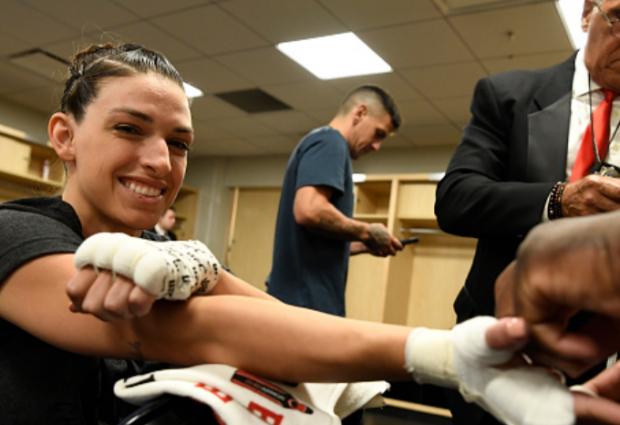Mackenzie Dern vs. Randa Markos tijdens UFC 253 op 19 september