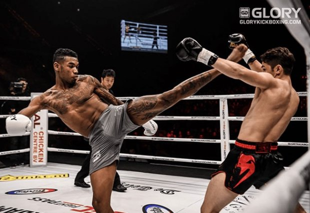 BREAKING: Massaro Glunder vs Jos van Belzen tijdens Glory 76 Antwerpen