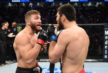 Magomed Ankalaev en Ion Cutelaba op herhaling tijdens UFC 249 in Brooklyn