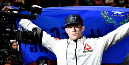 Evan Dunham vs. Herbert Burns toegevoegd aan UFC 250 volgende week