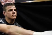 Grant Dawson treft Nad Narimani tijdens UFC evenement op 18 juli in Abu Dhabi