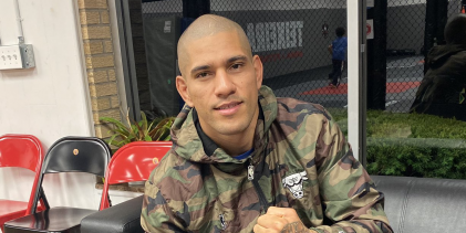 GLORY Kickboxing kampioen Alex Pereira tekent contract bij LFA