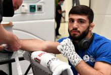 Arman Tsarukyan treft Nasrat Haqparast tijdens UFC 257 op 23 januari 2021