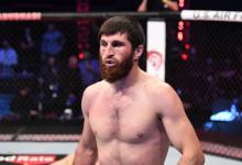 Nikita Krylov treft Magomed Ankalaev tijdens UFC evenement op 27 februari